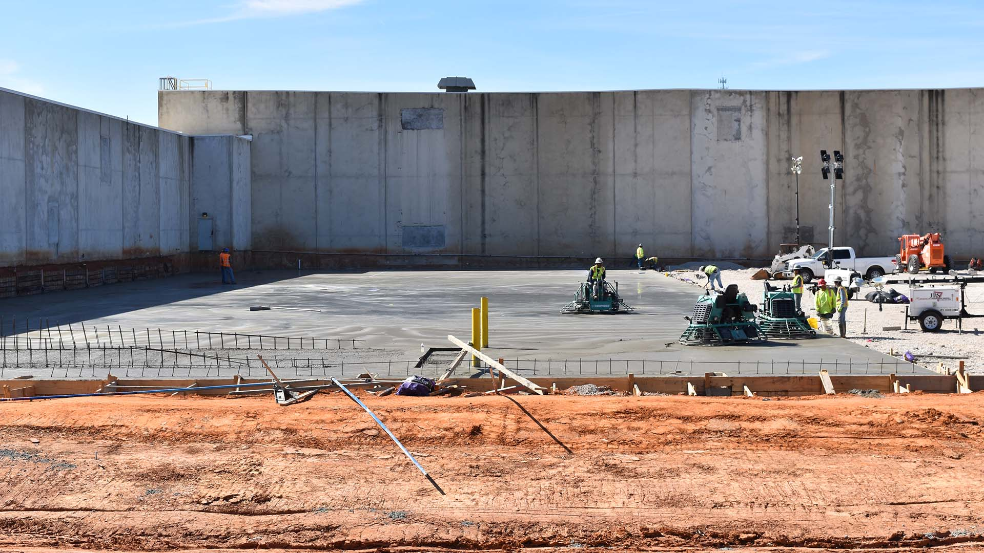 Decker Finishing LLC: Commercial Concrete Services, Industrial Concrete Services and Concrete Flat Work in Baton Rouge, Lake Charles and New Orleans